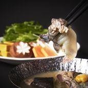「おうちを料亭に」すっぽん切り身入り鍋スープと鍋野菜セット2人前
